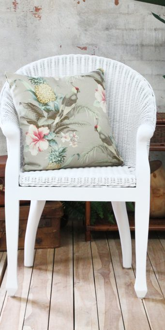 british-colonial-chair-white-front_ls