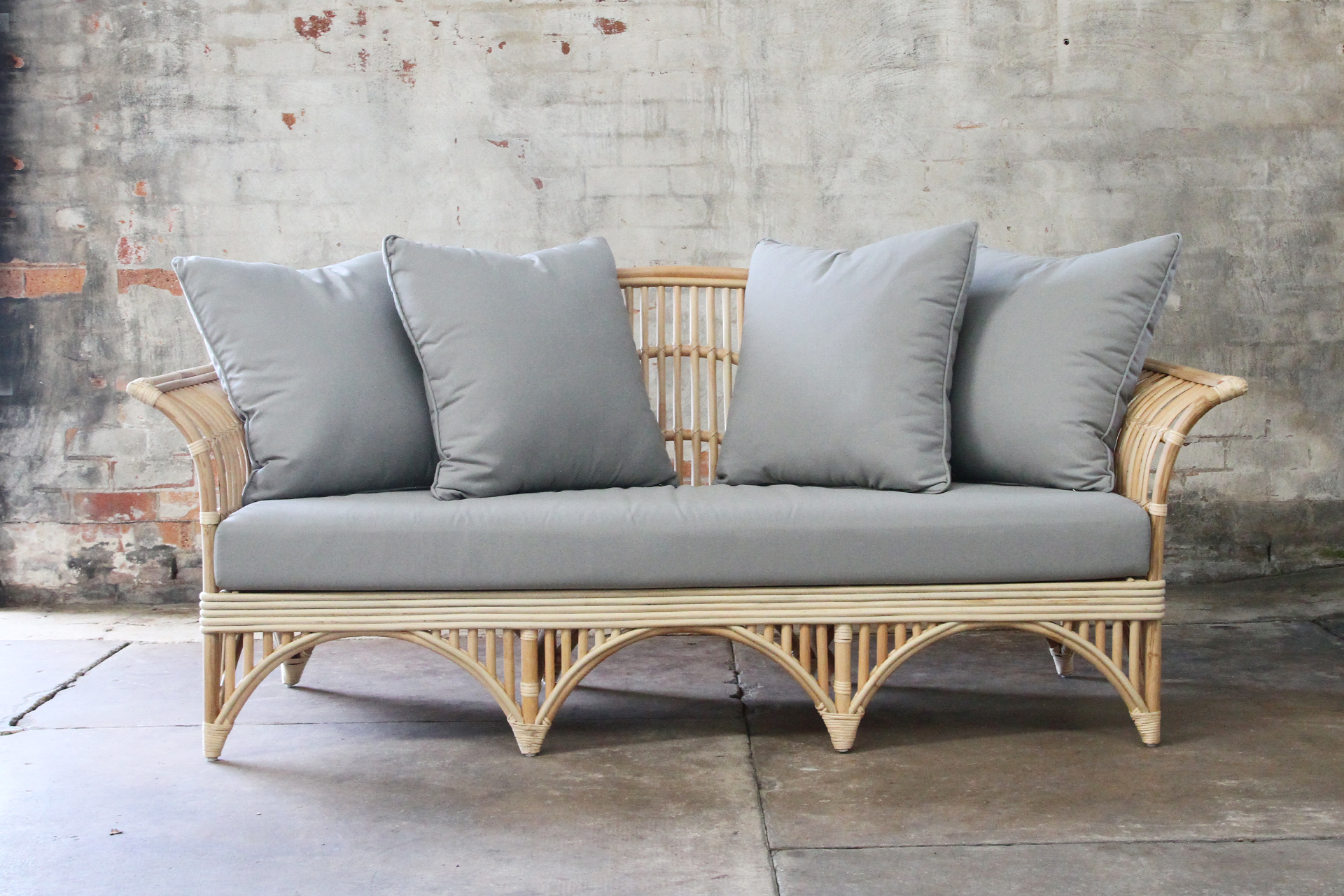 rattan daybed in outdoor fabric