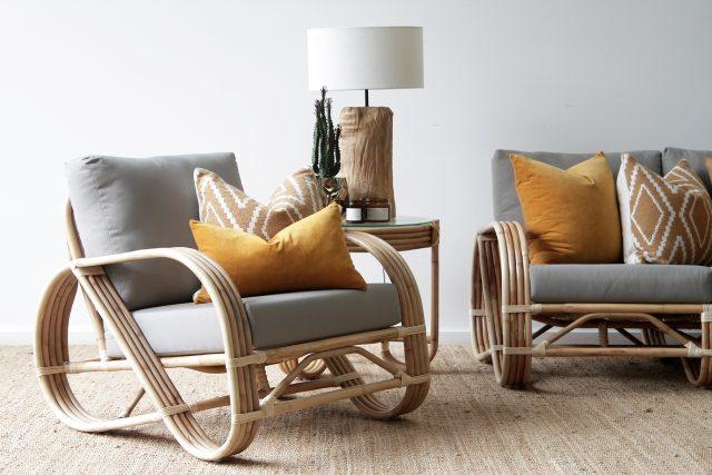 Pretzel armchair natural