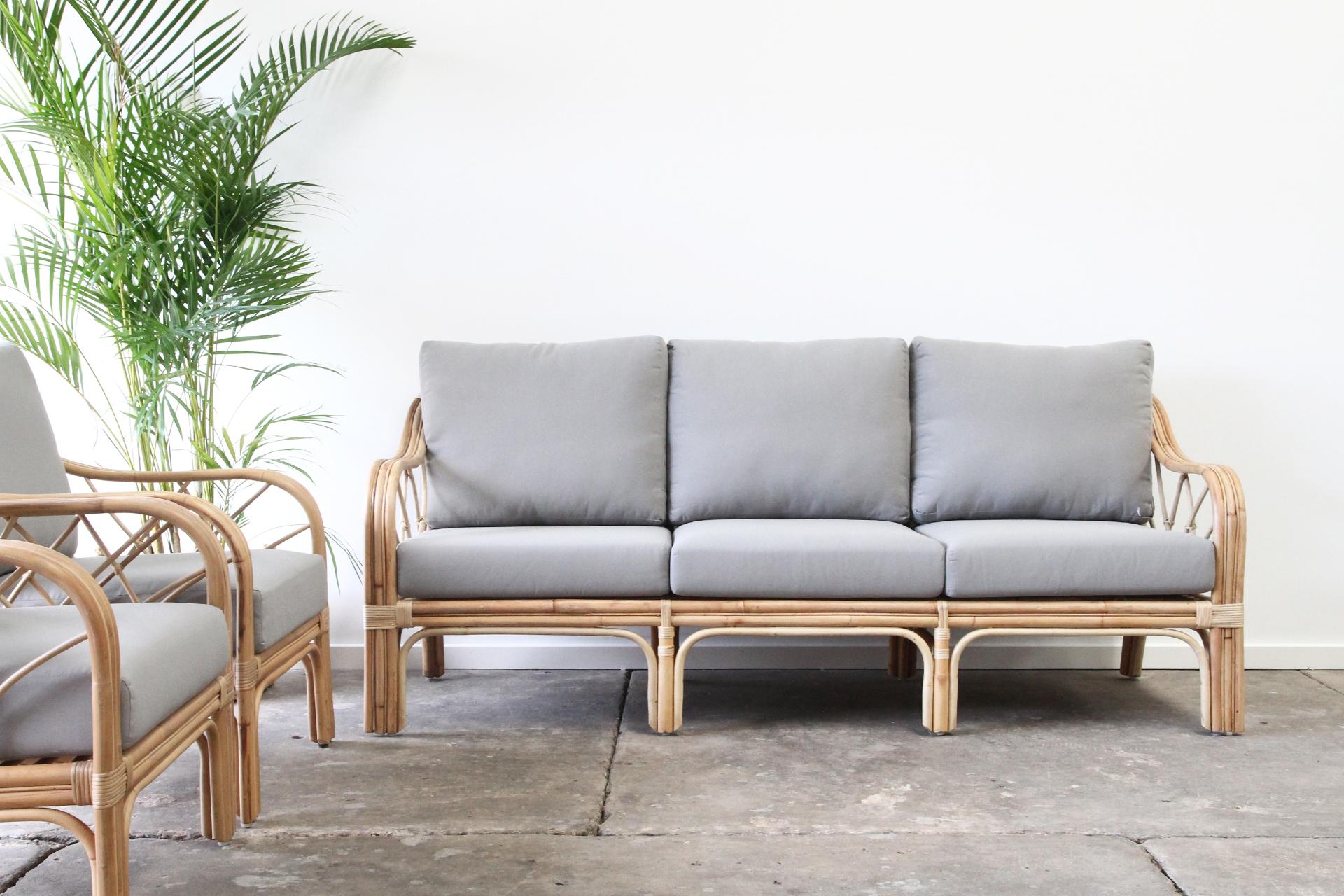 cane lounge